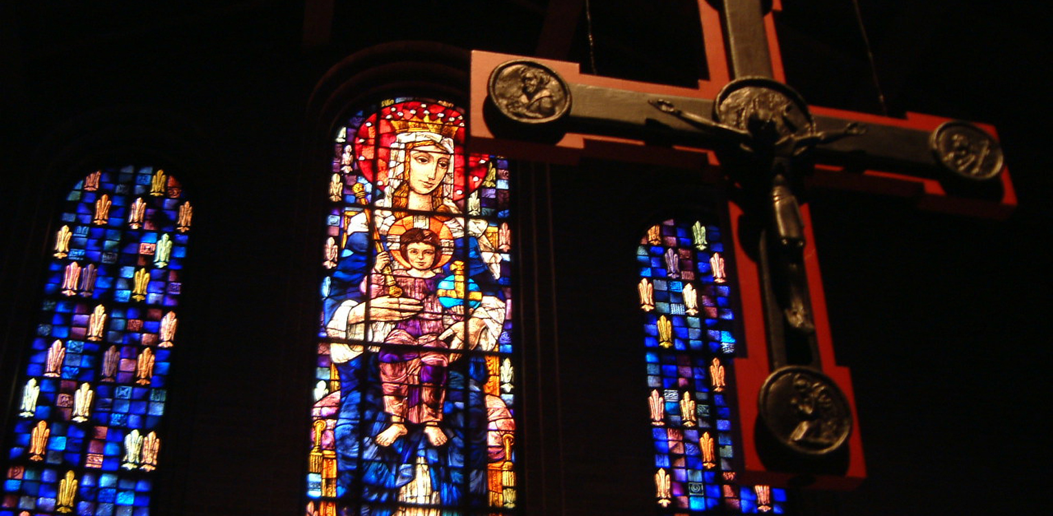 salve-window-and-cross-1-02_1530x750